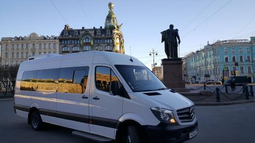 Адекватные водители только на наших микроавтобусах